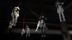 'Hanging rabbits', installatie art nomaden, soft sculptures, 2020, 800 x 900 x 500 cm
