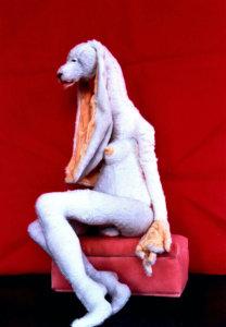 'Olga geslachtskonijn', soft sculpture, 2007, 70 x 60 x 50 cm