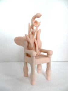 'Oorstoel, uit serie stoelen, claymorf , 2011, 14 x 15 x 16 cm