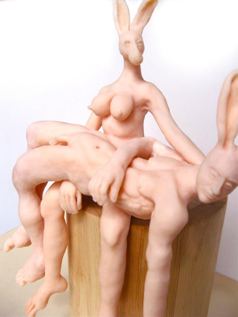 'Pieta groot', detail, claymorf, 2013, 40 x 35 x 30 cm