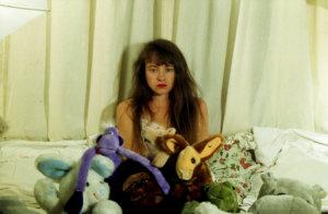 'De pluchen vijver', zelfportret, kleurenfoto, 1992, 90 x 110 cm